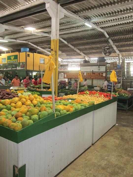 Varejão de hortifruti no Ceasa de São Luís