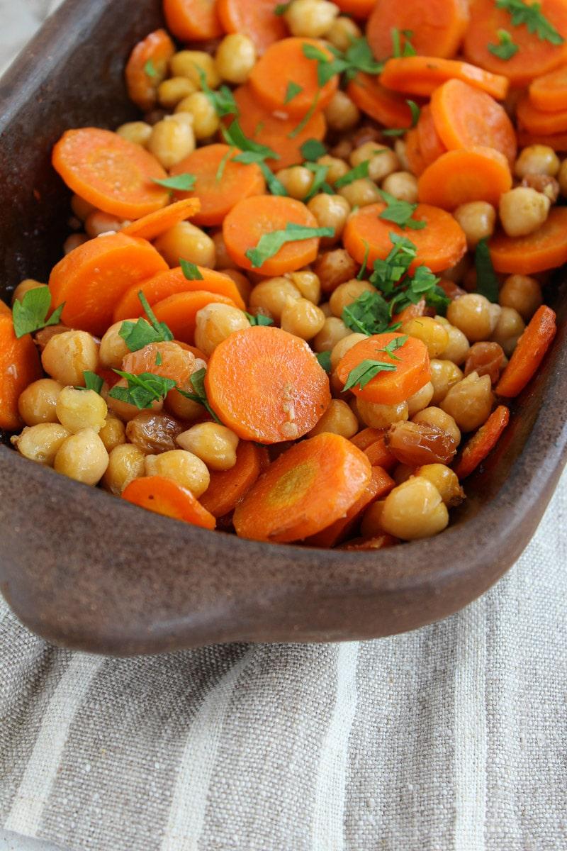 Cenoura e grão de bico assados com cominho