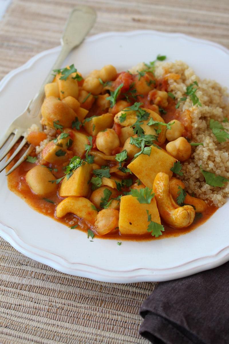 Curry de grão de bico com castanha de caju