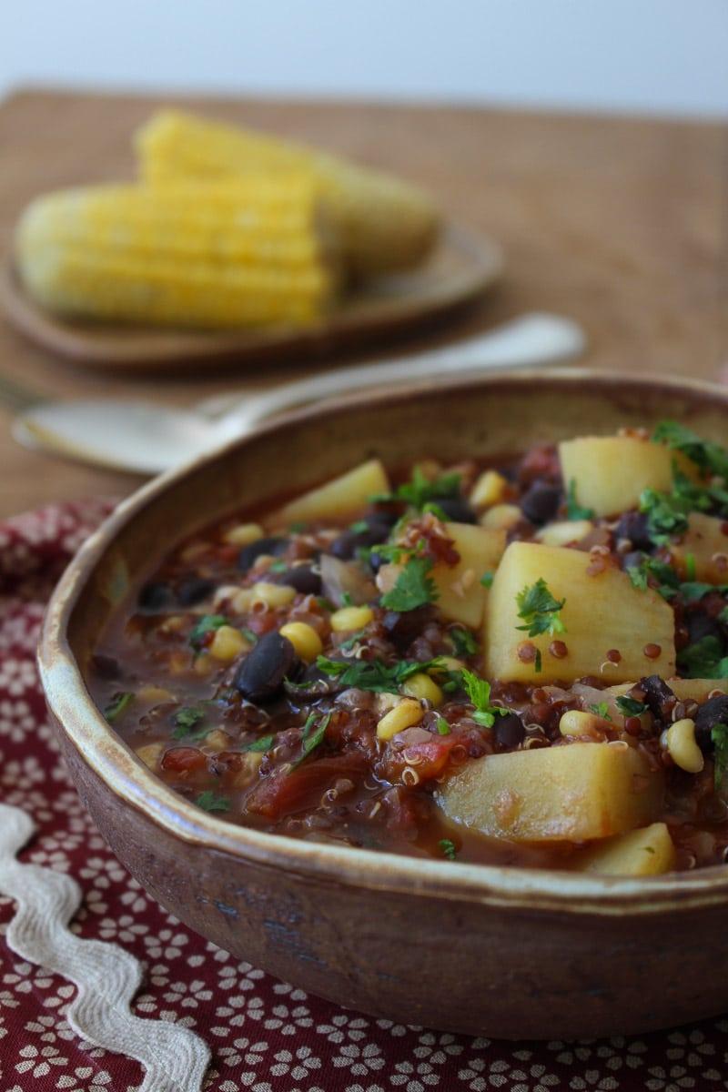 Ensopado de milho e feijão preto