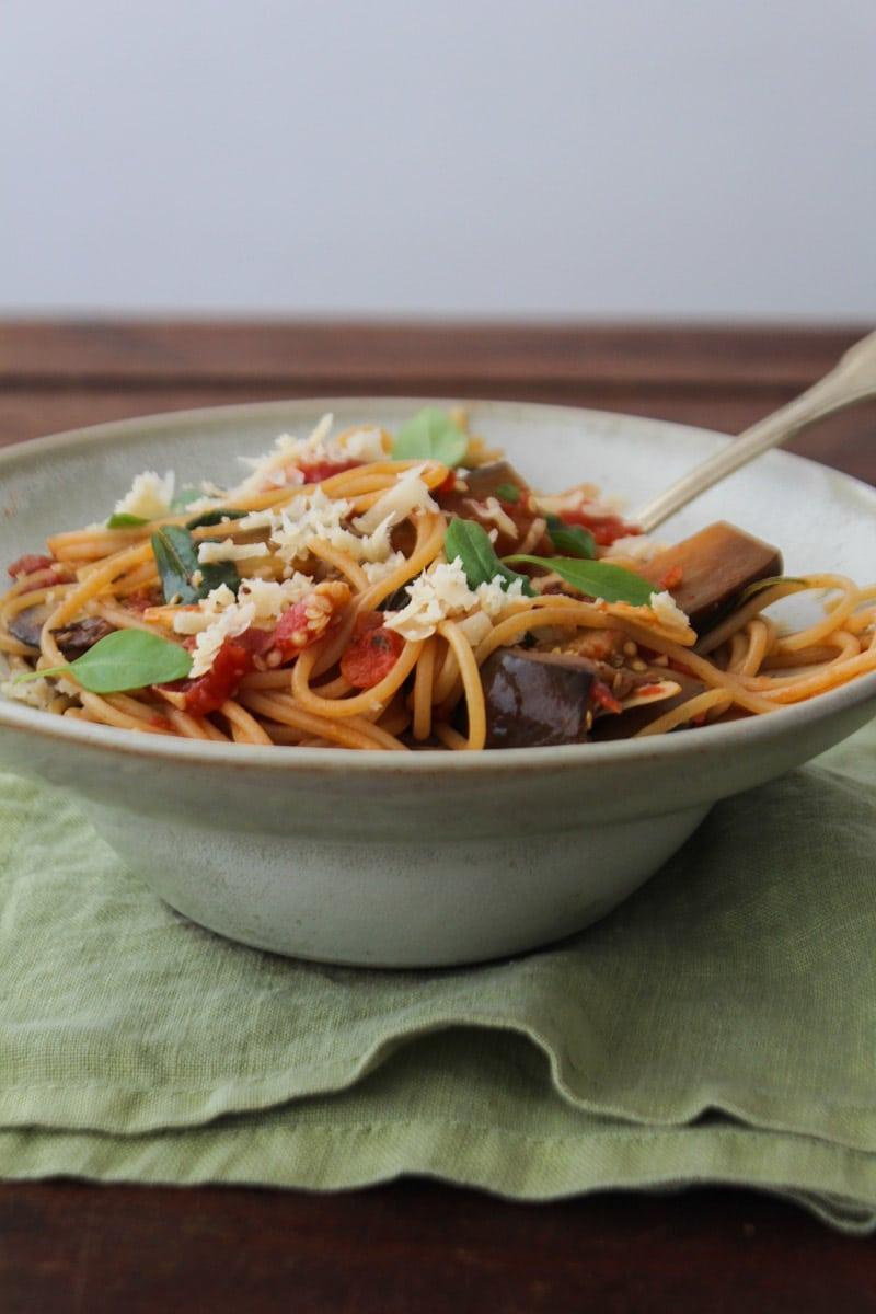 "Espaguete com berinjela (""Pasta alla Norma"")"