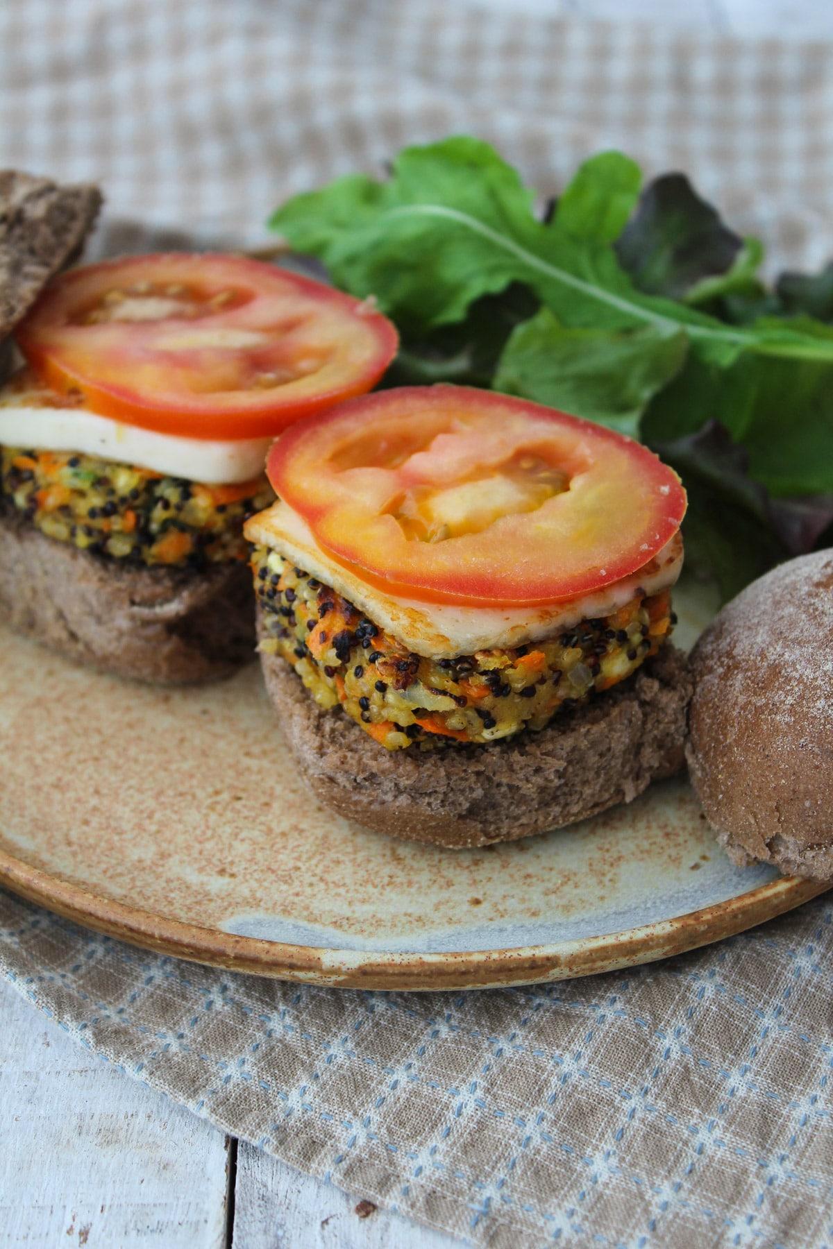 Hambúrguer de quinua e cenoura