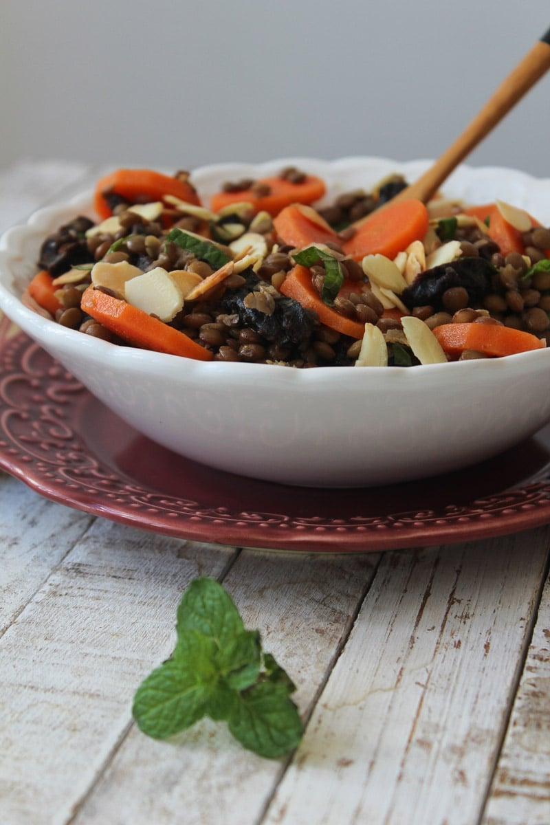 Lentilha marroquina com cenoura e hortelã