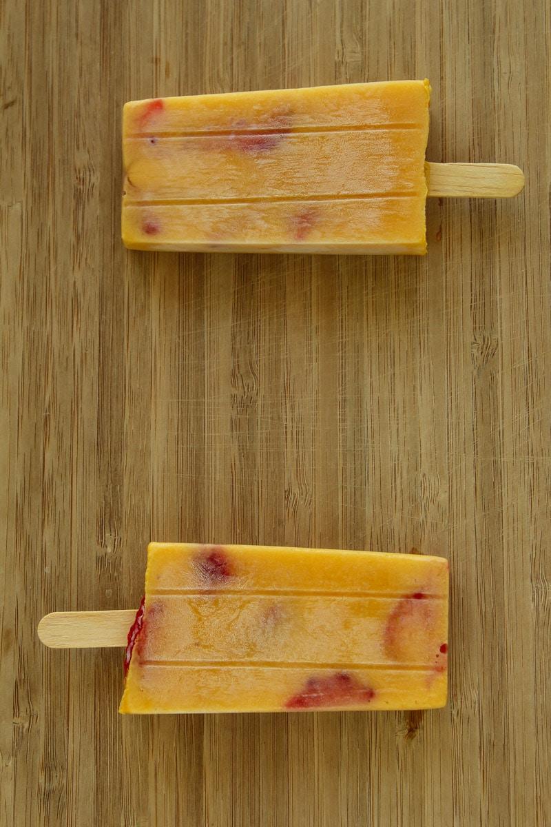 Picolé de manga e morango