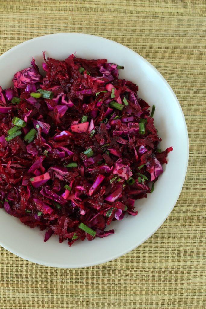 Salada de beterraba e repolho roxo