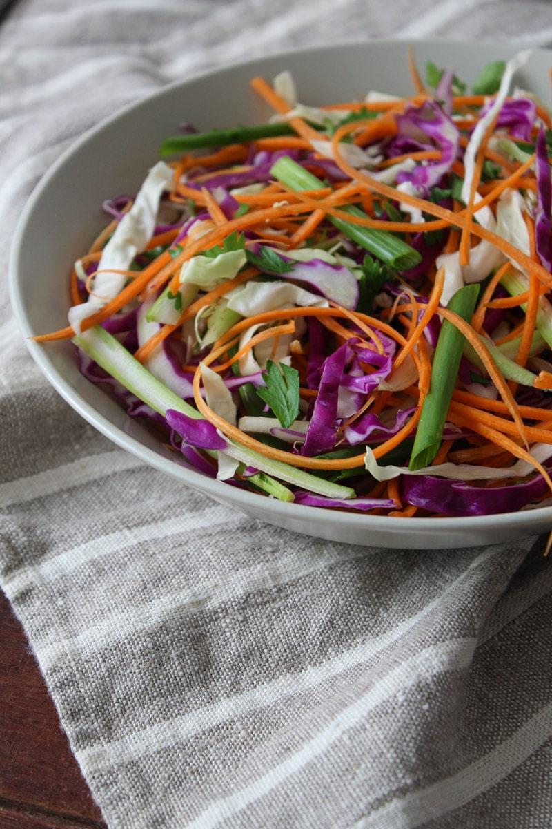Salada Coleslaw com repolho roxo