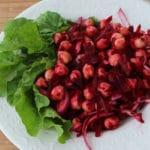 Salada de grão de bico com beterraba