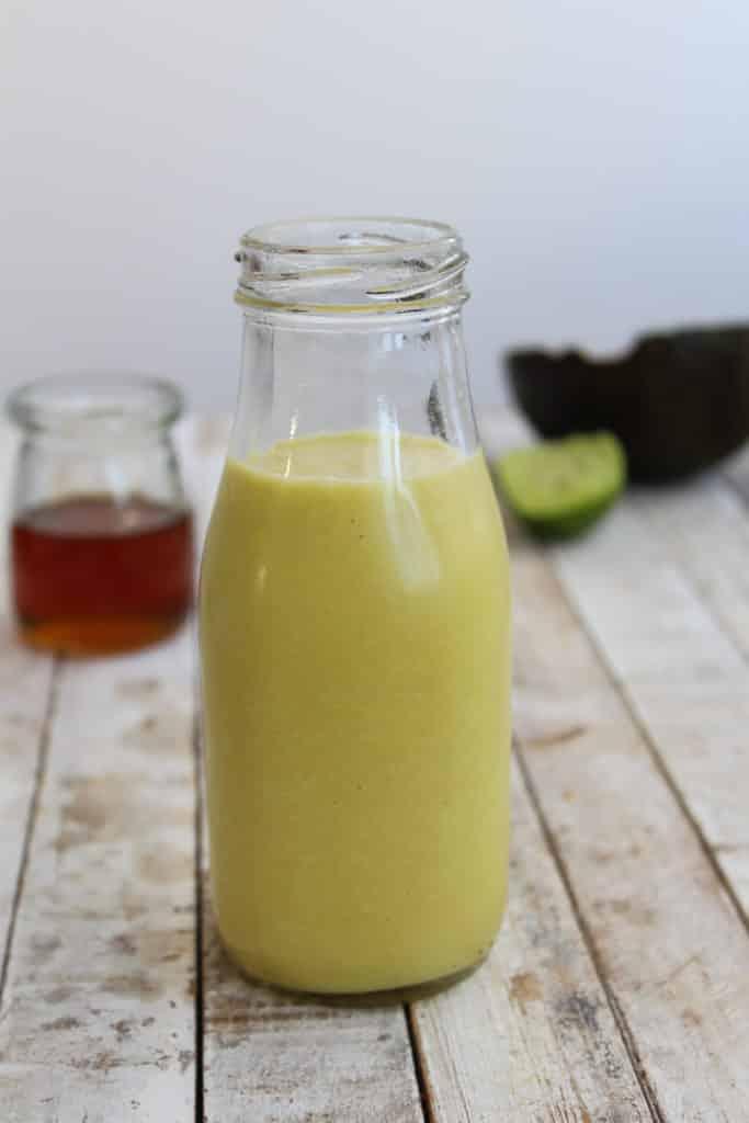 Smoothie de abacate e água de coco