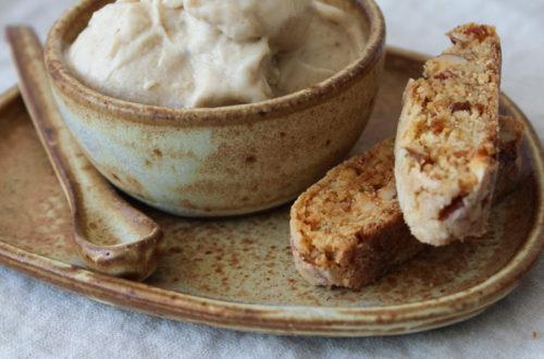 Sorvete de banana com manteiga de amendoim