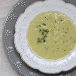 Sopa de batata-doce e alho poró