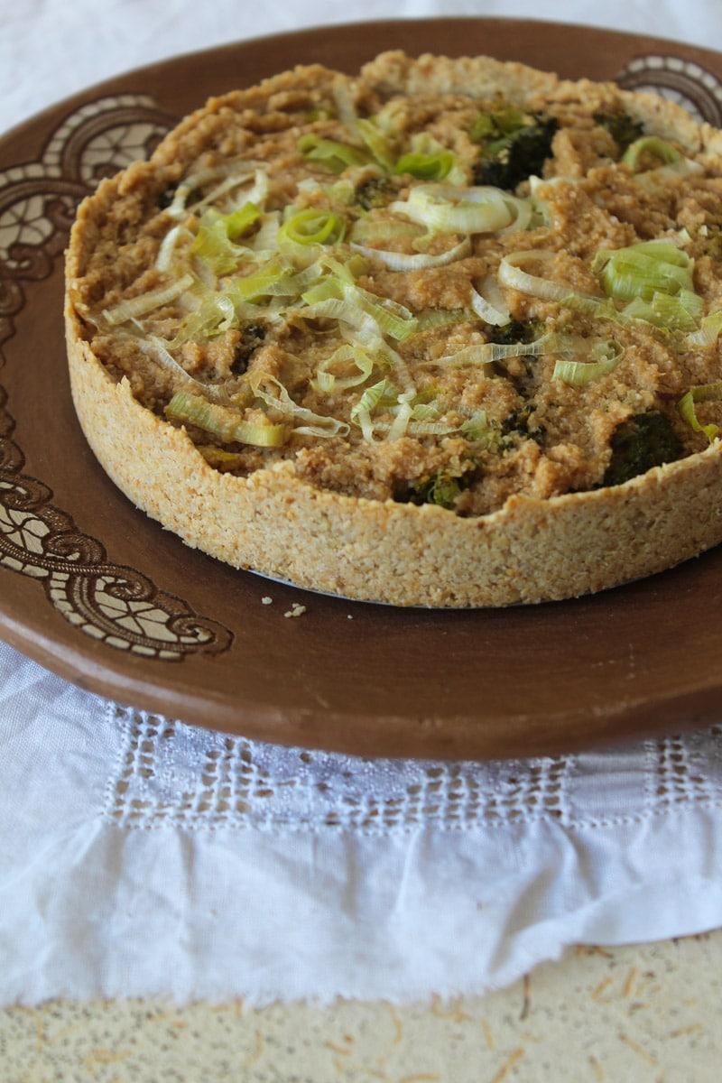 Torta de alho poró e brócolis - Receita vegana e sem glúten