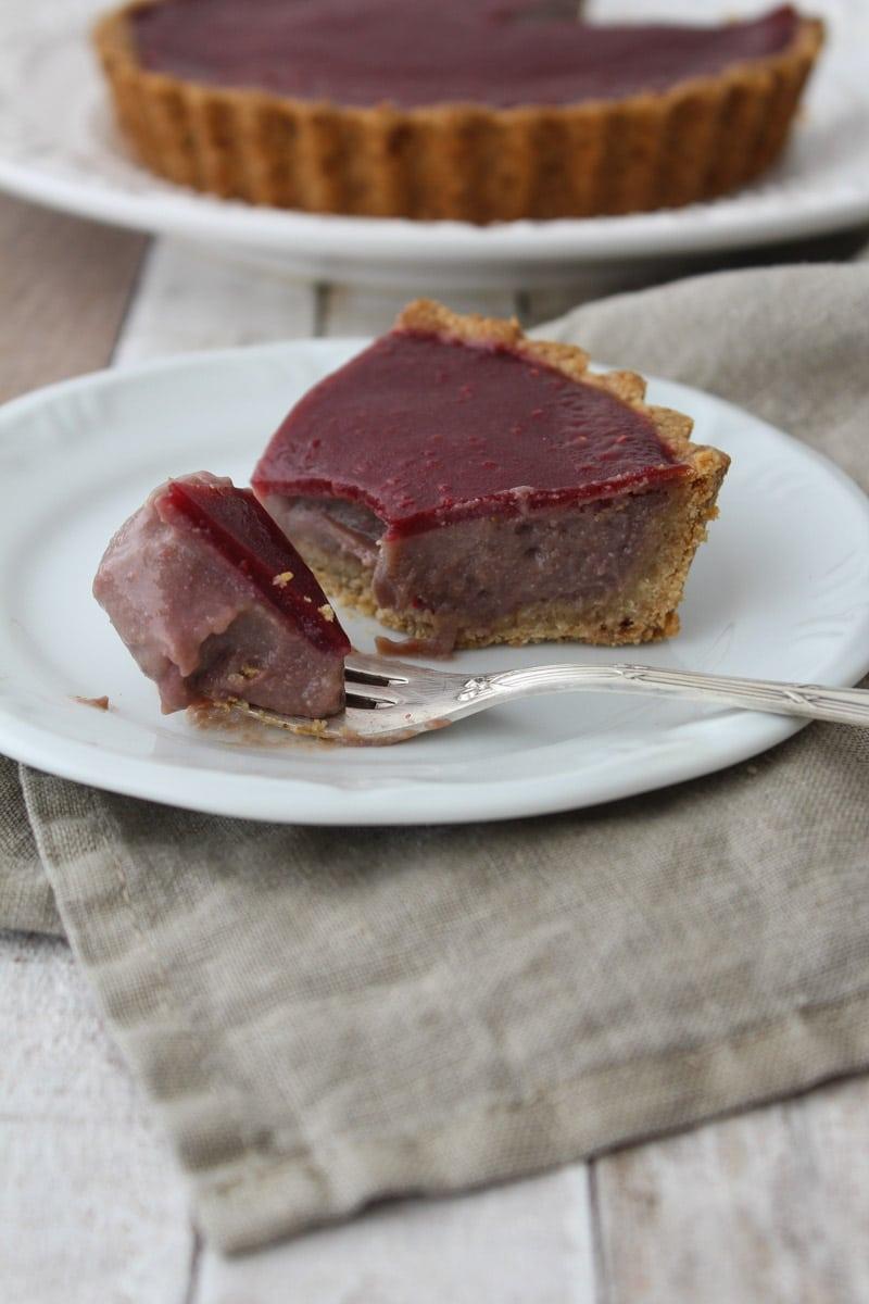 Torta de morango e framboesa vegana